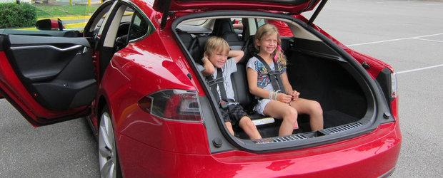Pe tocuri la volan: Cu copilul in masina
