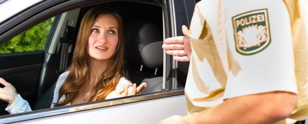 Pe tocuri la volan: Politist, vreau adjectiv