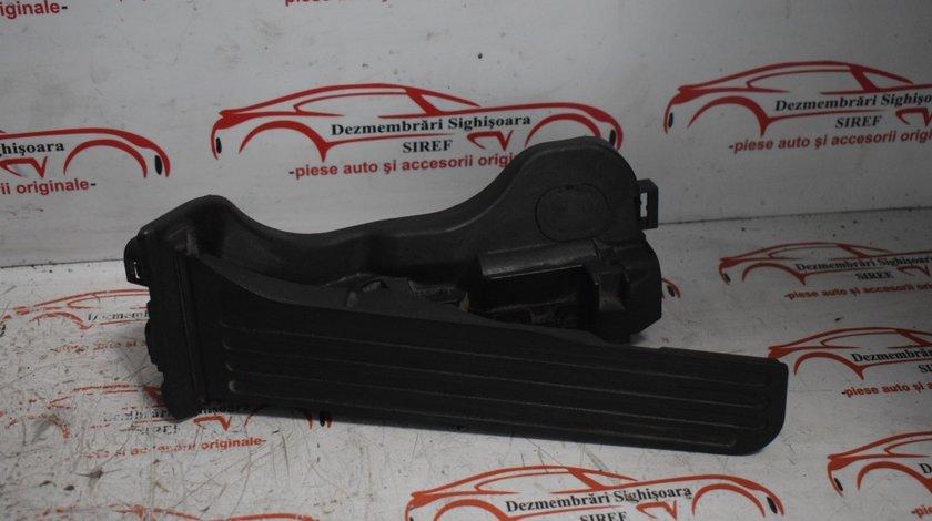 Pedala acceleratie 1K17215013L VW Passat B6 2.0 Tdi BMR 170 CP 468