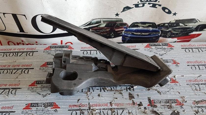 Pedala acceleratie ( cutie viteze manuala ) AUDI A3 Cabrio (8P7) cod piesa : 1K1721503L