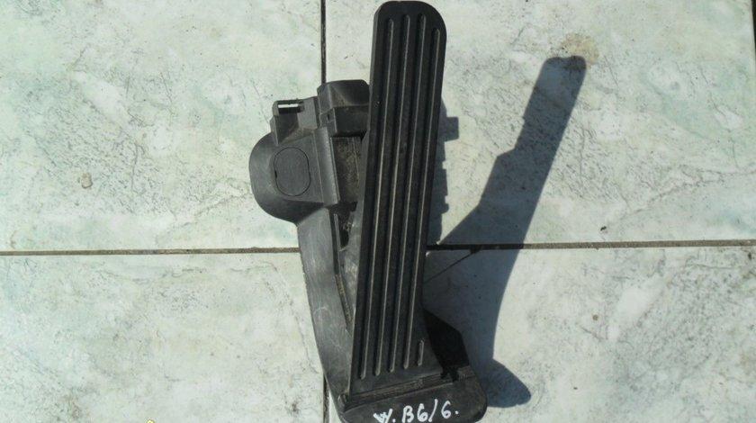 Pedala acceleratie VW Passat B6