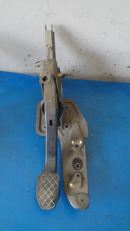 Pedala frana 1.9 tdi axc vw transporter t5 2003-2010 7h1721057