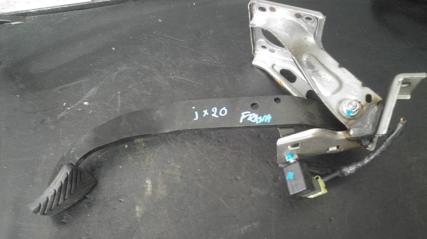 Pedala frana hyundai ix20 1.4 d 90 cp dupa 2011