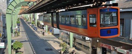 Pentru ca aruncatul cu promisiuni e gratis: Firea promite tramvaie suspendate