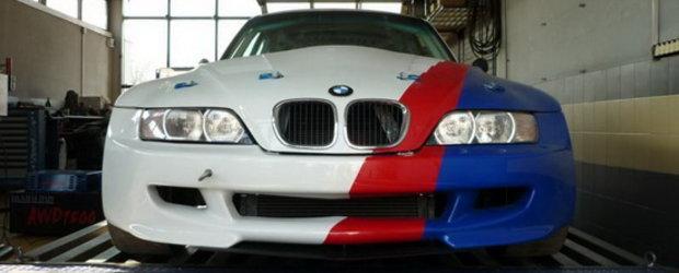 Pentru ca se poate: BMW Z3 cu motor V10 de 5.0 litri!