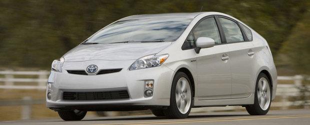 Peste 240.000 de exemplare Toyota hibrid, rechemate in service