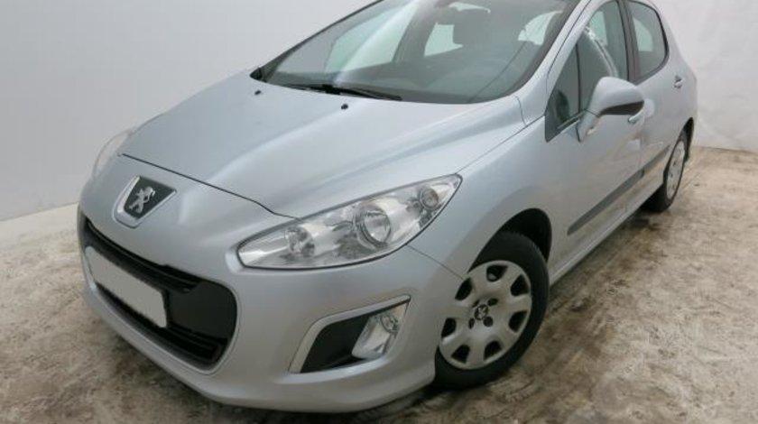Peugeot 308 Acces 1.6 e-HDI FAP STT 112 CP M6 Start&Stop 2012