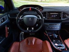 Peugeot 308 R Hybrid concept