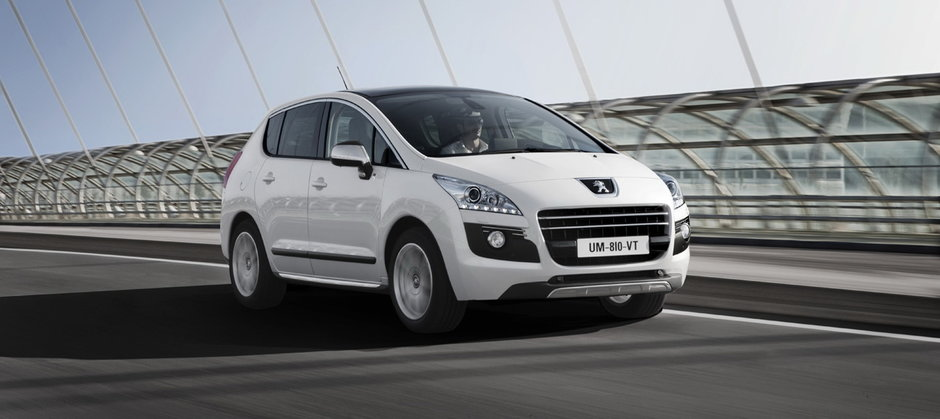 Peugeot anunta un consum de 3 litri la 100 km cu noul Hybrid 3008