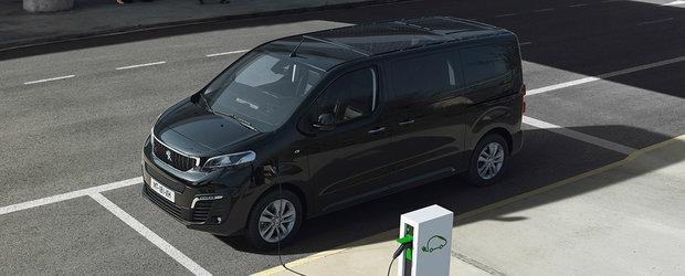 Peugeot Traveller, acum si intr-o versiune electrica. Utilitara de persoane are autonomie de pana la 330 km