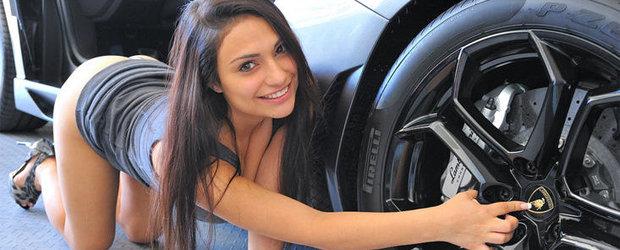 Pictorial sexy, de weekend: Sharon si Lamborghini Aventador