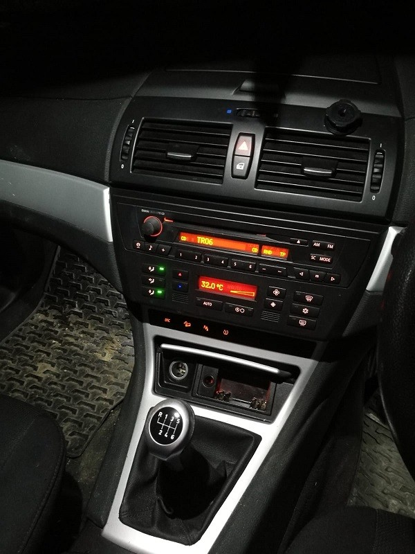 piese bmw e83 x3 an 2007 2000 diesel euro 4 cutie manuala 180000 km