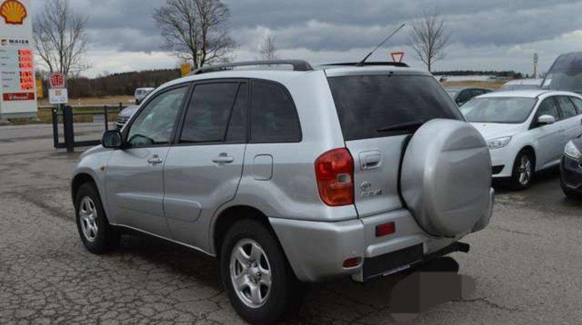 Piese de caroserie si motor Toyota Rav4 din 2003 diesel benzina