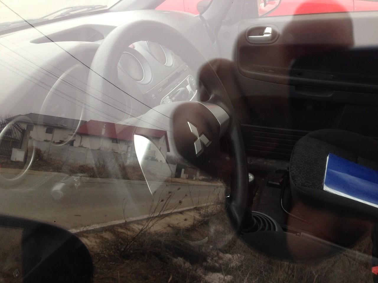 Piese mitsubishi colt an 2011  motor 1100 benzina manuala