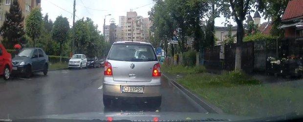Pisy din Cluj face economie la semnalizare si accidenteaza un motociclist