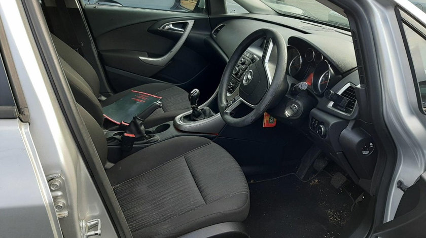 Plafon interior Opel Astra J 2012 Break 1.7 CDTI