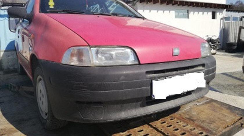 PLAFONIERA / ILUMINATOR INTERIOR CU CEAS CRONOLOGIC FIAT PUNTO 176 FAB. 1993 – 1999 ⭐⭐⭐⭐⭐