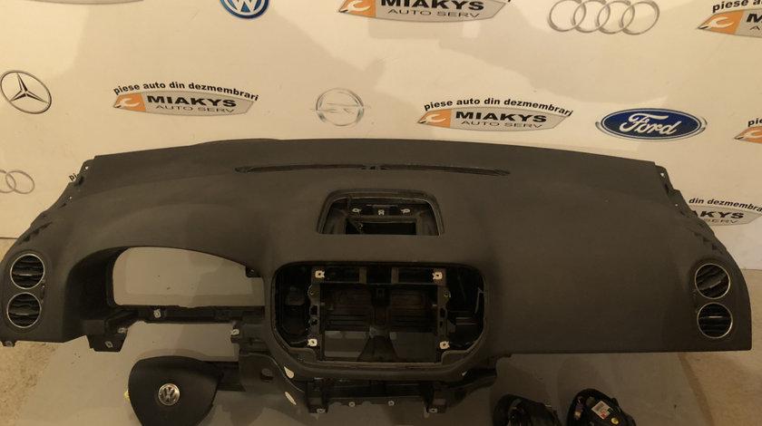 Plansa bord+airbag-uri VW Golf 5 plus