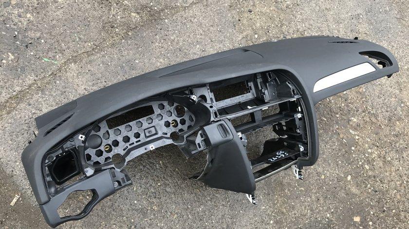 Plansa bord cu airbag AUDI A4 B8 8K 2009 2010 2011 2012