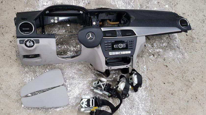 Plansa bord cu airbaguri Mercedes c-Class W204 FACELIFT 2011 2012