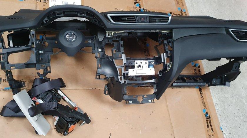 Plansa bord cu set airbag Nissan Qashqai Facelift 2017 2018 2019