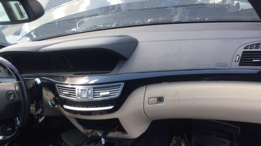 Plansa bord Mercedes S class W221 cu airbag genunchi