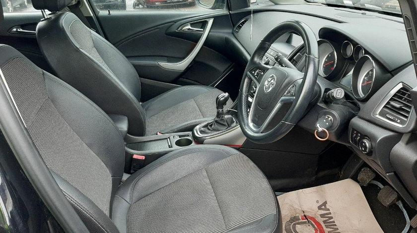 Plansa bord Opel Astra J 2011 Hatchback 1.4 TI