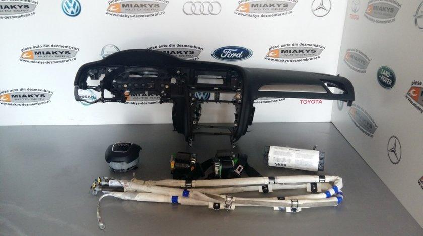Plansa bord+set airbag-uri+centuri Audi A4 B8