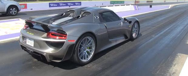 Poate fi cea mai ciudata liniuta a anului. Porsche-le 918 impotriva Mercedes-ului GL