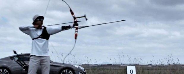 Poate o masina sa mearga mai repede decat o sageata? Hyundai Genesis macar incearca...