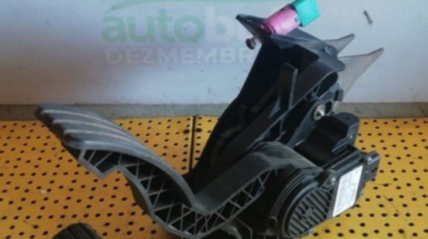 Pod Pedalier Renault Laguna III (2007-2015) 2.0 dci 0280755085 465010003R