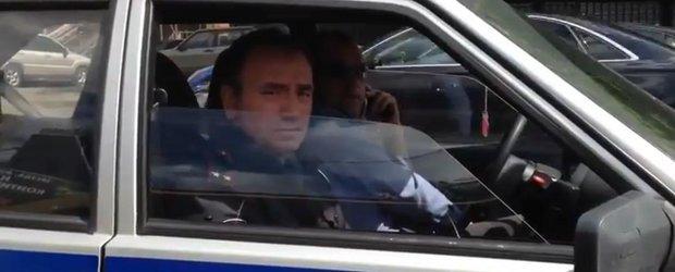 Politia din Rusia asculta de ceilalti soferi si se conformeaza!