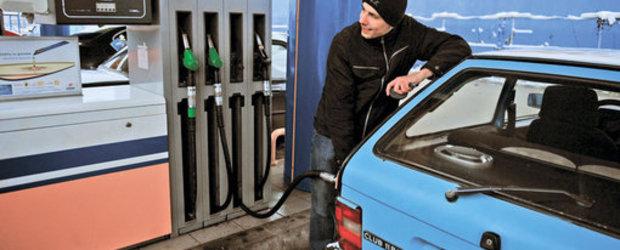 Politia i-a pedepsit pe cei care protesteaza la benzinarii. E corect?
