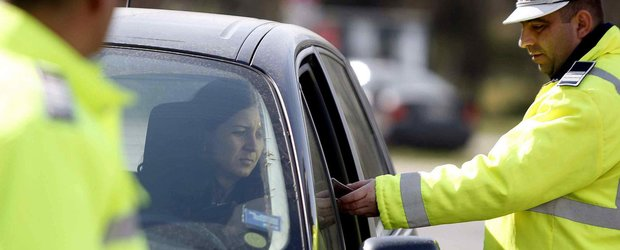 Politia Romana ne face viata mai usoara: Adio trimitere dovada plata amenda prin Posta