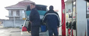 Politistii din Oradea fac plinul la canistra, ca sa aiba benzina la pachet