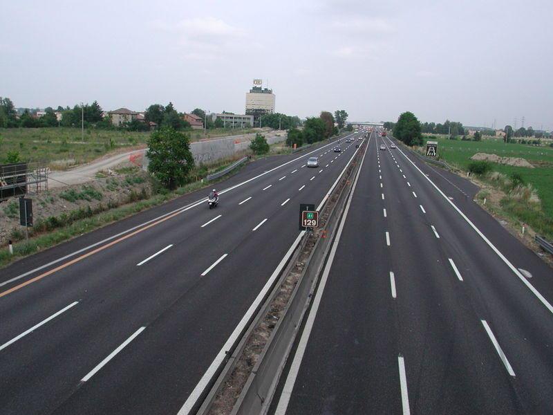 POLL: Cat ai fi dispus sa platesti pentru a merge pe o autostrada din Romania?