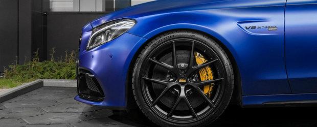 Polonezii au terminat de tunat sedanul cu motor V8 de la Mercedes. Acum are 850 CP sub capota