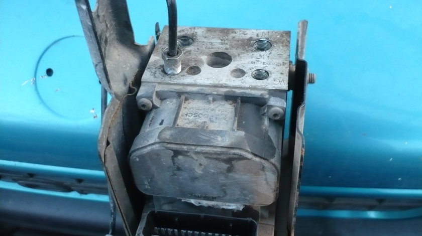 Pompa Abs Renault Clio 2 1.2 benzina 2002 2011 cod:8200085584
