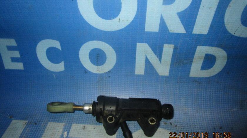 Pompa ambreiaj BMW E87 116i; 6758822