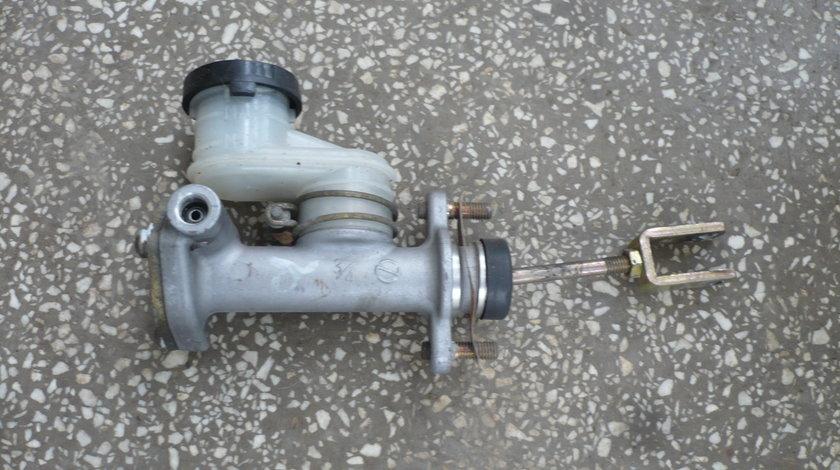 Pompa Ambreiaj Opel Frontera 2200 benzina
