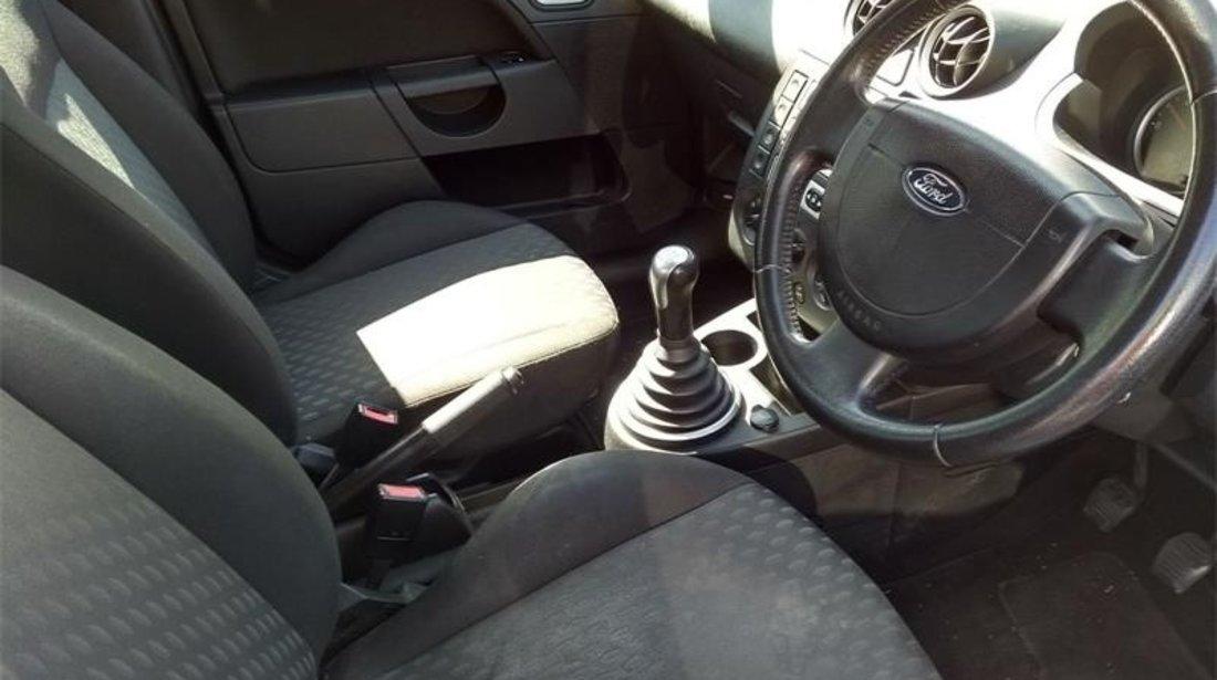 Pompa benzina Ford Fiesta 5 2004 Hatchback 1.4i