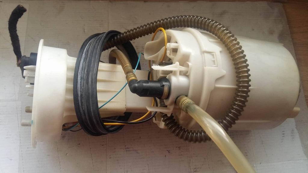 Pompa combustibil rezervor 8f0919051l audi a4 1.6 1.8 2.0 2.4 3.0 benz
