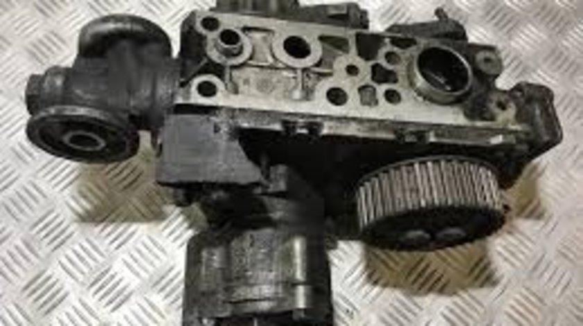 Pompa de ulei Opel Movano 2.8 dti cod 7450504