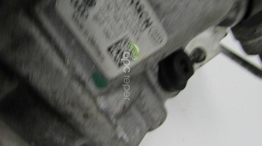 Pompa inalta presiune Audi A6 4G 2.0 TDI an 2011 cod 03L130755AC