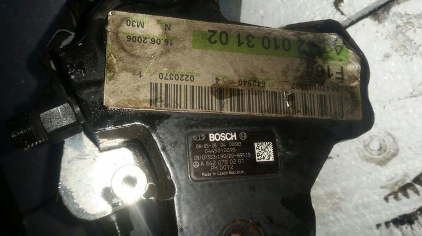 Pompa inalta presiune cod a6420700201 0445010095 chrysler 300c 3.0 crd