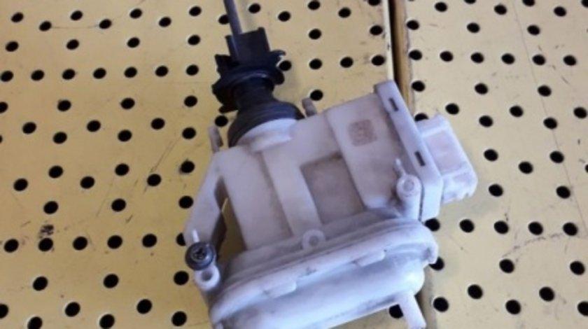 Pompa Inchidere Centralizata Vacuum Volkswagen Passat B4 357862153H