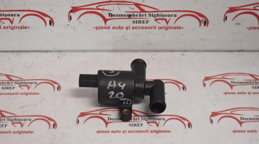 Pompa recirculare apa Audi A4 B8 2.0 TDI CJC 4H0121671S 3