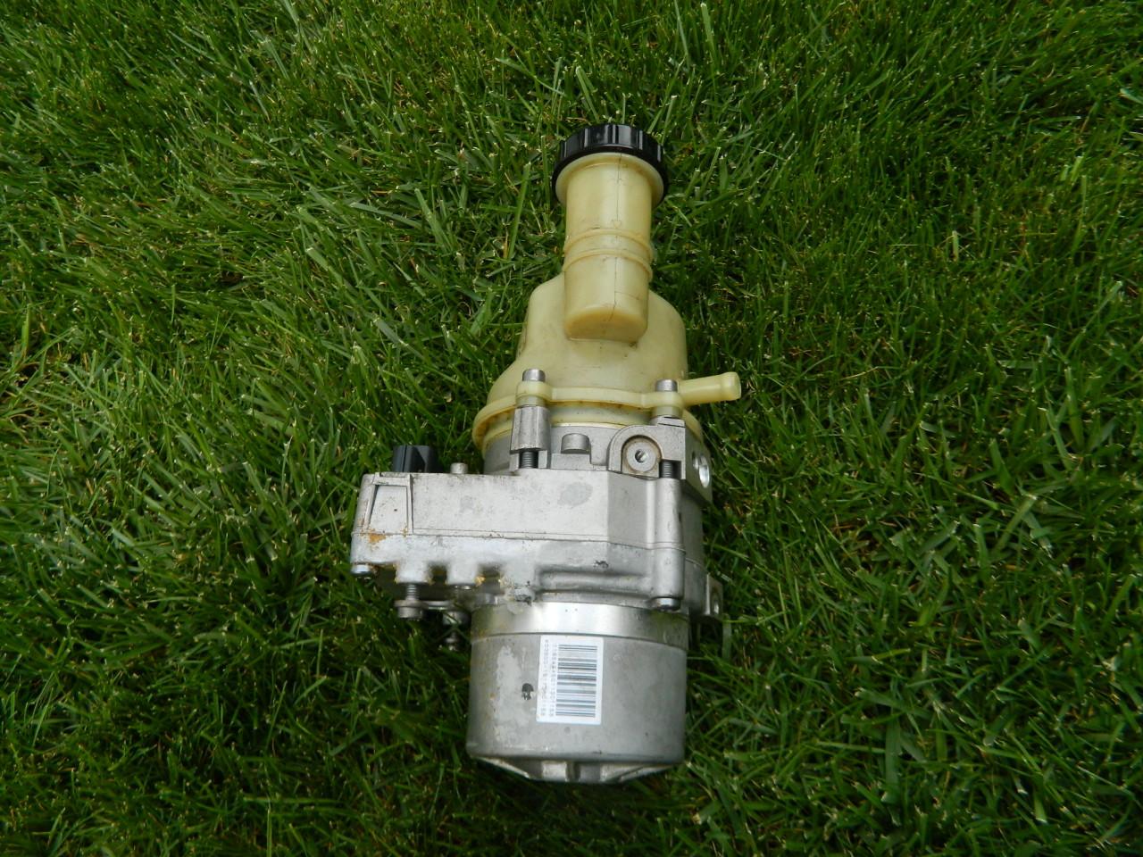 Pompa servo directie Dacia,Logan,Duster,Lodgy cod 491107326R