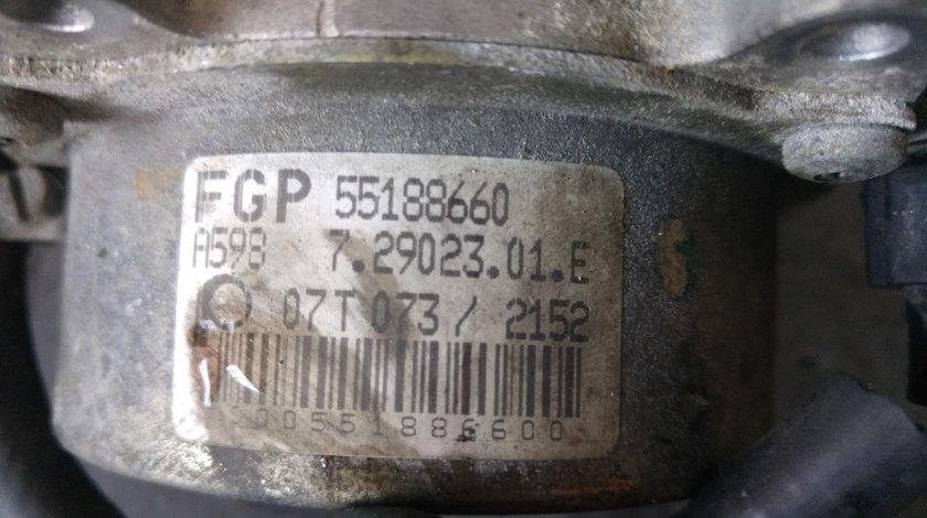 Pompa vacuum 1.9 jtdm 939a2000 alfa romeo 159 fiat croma 55188660