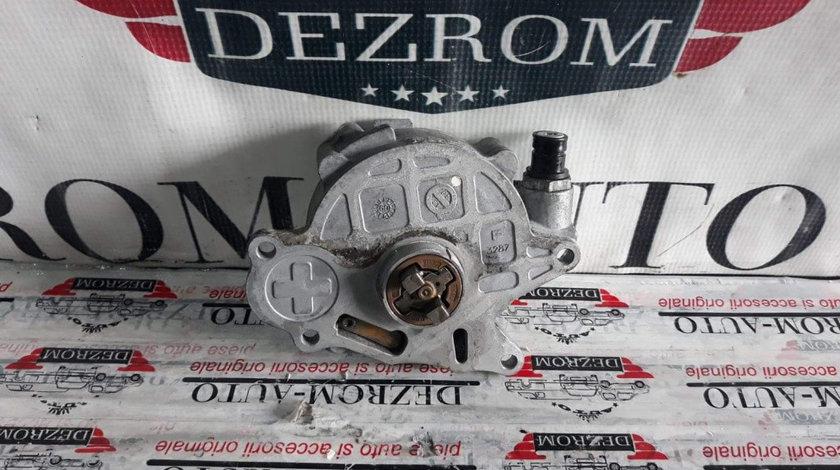 Pompa vacuum Audi A4 B8 2.0 TDI 163 cai motor CGLD cod piesa : 03L145100F